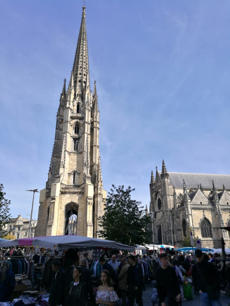 Saturday morning market of Saint Michel