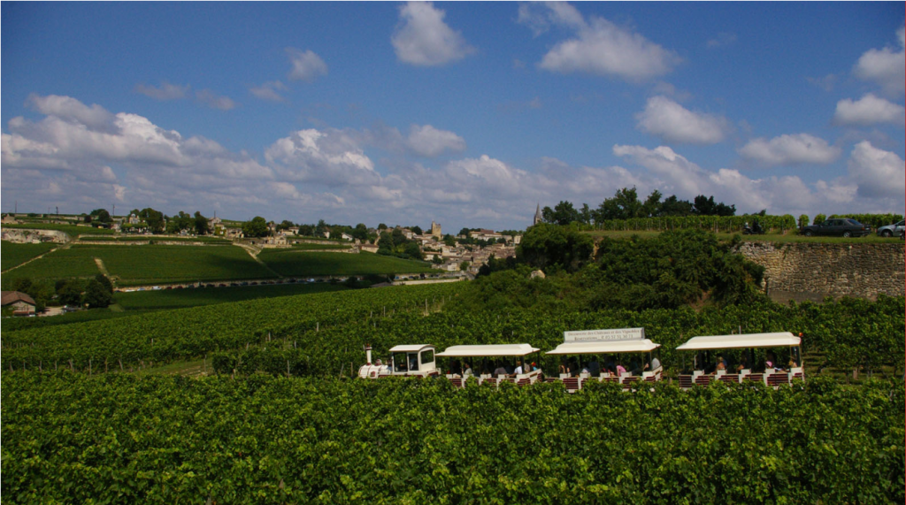 tourist train in Saint Emilion