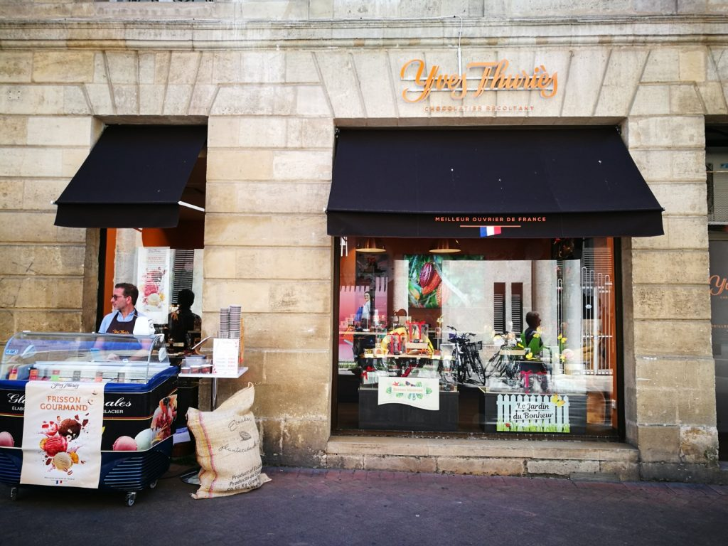 foodie street in Bordeaux