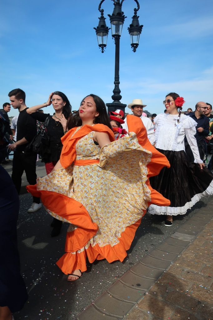 Carnaval des 2 rives Bordeaux