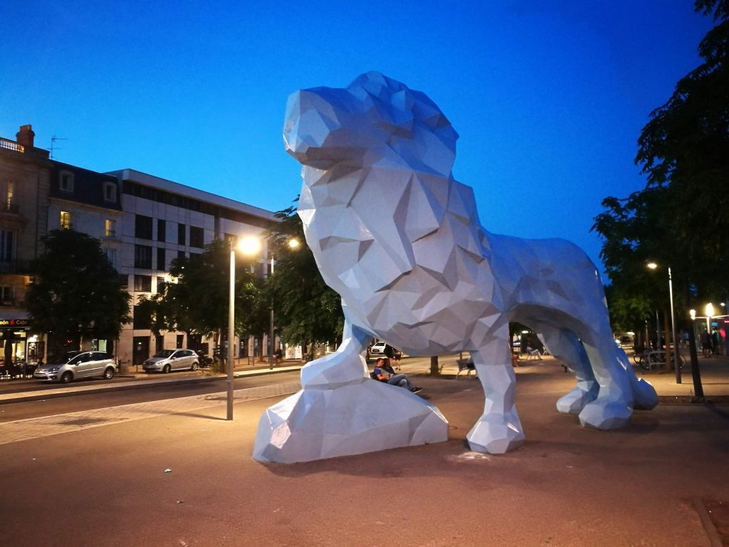 Le Lion Bastide Bordeaux