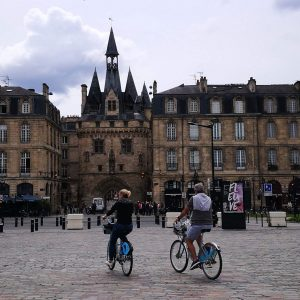 Cycling in Bordeaux – the Bridge to Bridge trail